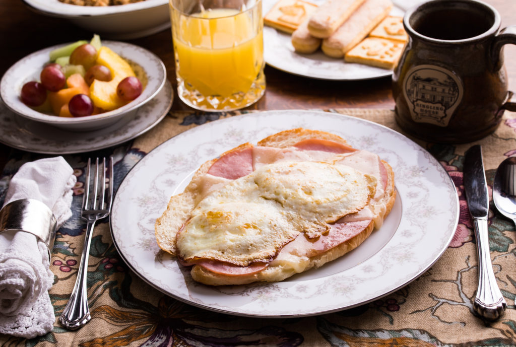 Ham, cheese, and egg croisant